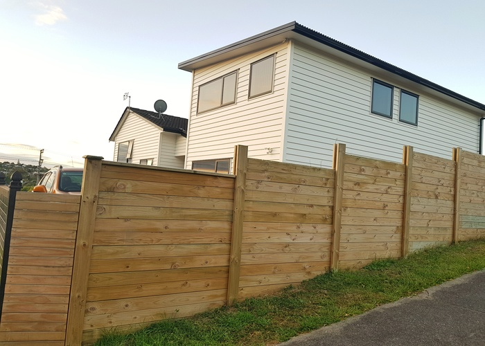 Hamilton fence builders